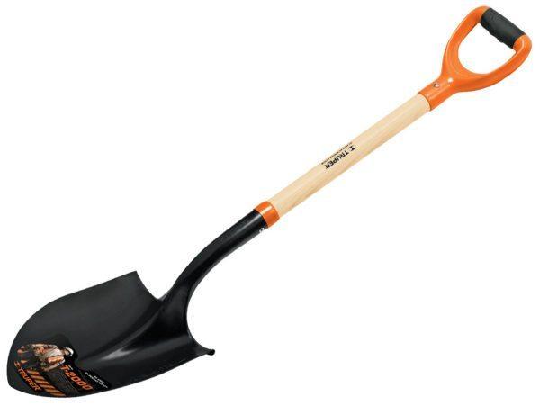 Подберите удобную лопату, вам предстоит очень много работать с этим инструментом