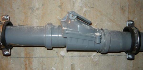 Для комфортной эксплуатации канализационной системы используется вакуумный клапан