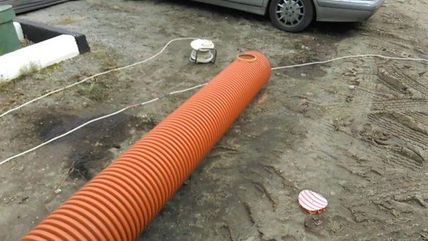 Дренажная труба с внутренним размером 350 мм – неплохое решение для небольшого водосборника