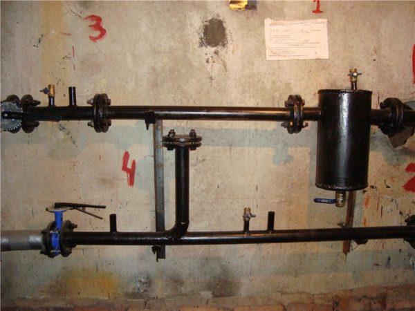 Элеваторный узел работает без сопла и с заглушенным подсосом.