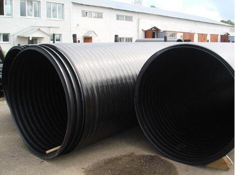 Гофрированный полиэтилен большого сечения используется для прокладки коллекторов сточной и ливневой канализации.