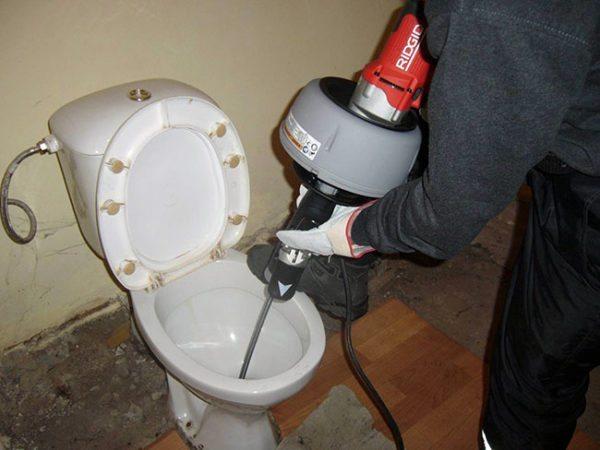 Изделие на фото предназначено для профессионалов. При редком домашнем использовании такой инструмент себя не окупит.
