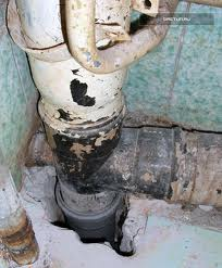 Как проложить канализационные трубы