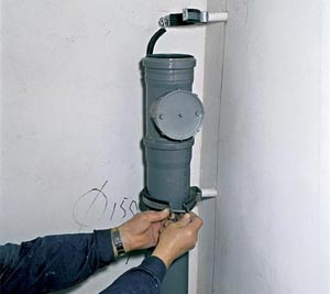 Как заменить канализационную трубу
