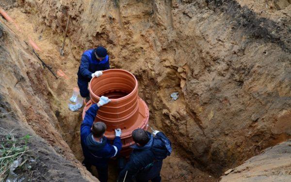 Крепление горловины к шахте