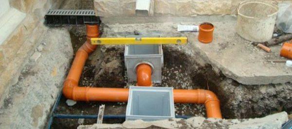 Монтаж трубопровода ливневой канализации