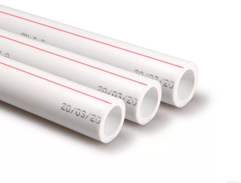 Пластик PPR пользуется наибольшей популярностью благодаря хорошему качеству и доступной стоимости