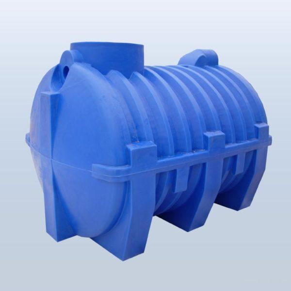 Пластиковые емкости столь дороги из-за высокой материалоемкости. Большая толщина стенок нужна для того, чтобы противостоять давлению грунта.