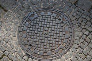 Почему канализационные люки делают круглыми