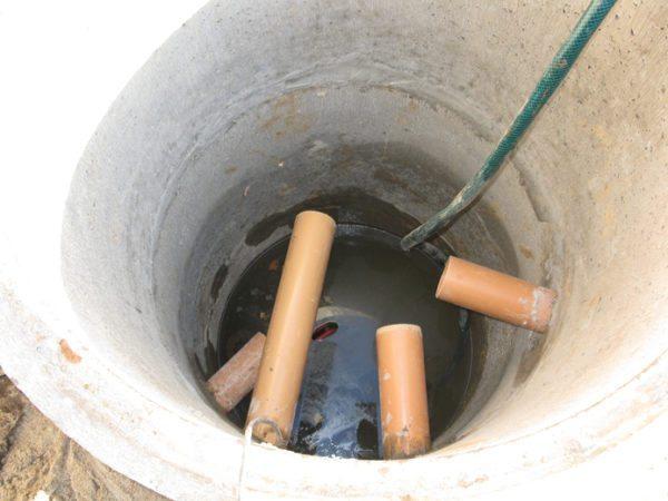 Пример коллектора, объединяющего трубы ливневой канализации