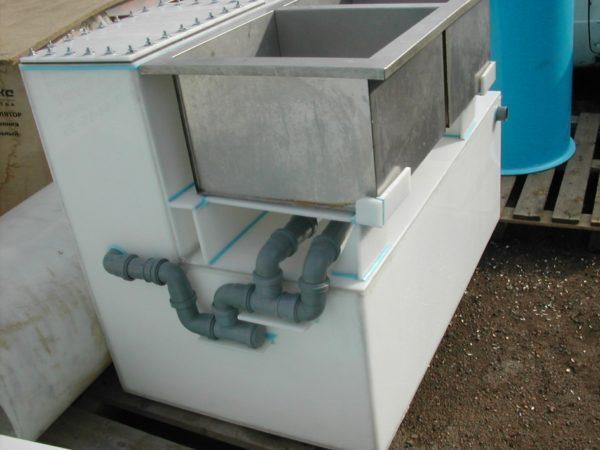 Промышленная мойка с интегрированной жироловкой