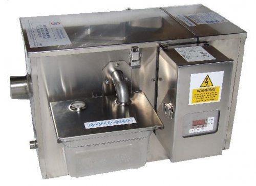 Промышленный жироулавитель с электронной начинкой и дополнительными фильтрами.