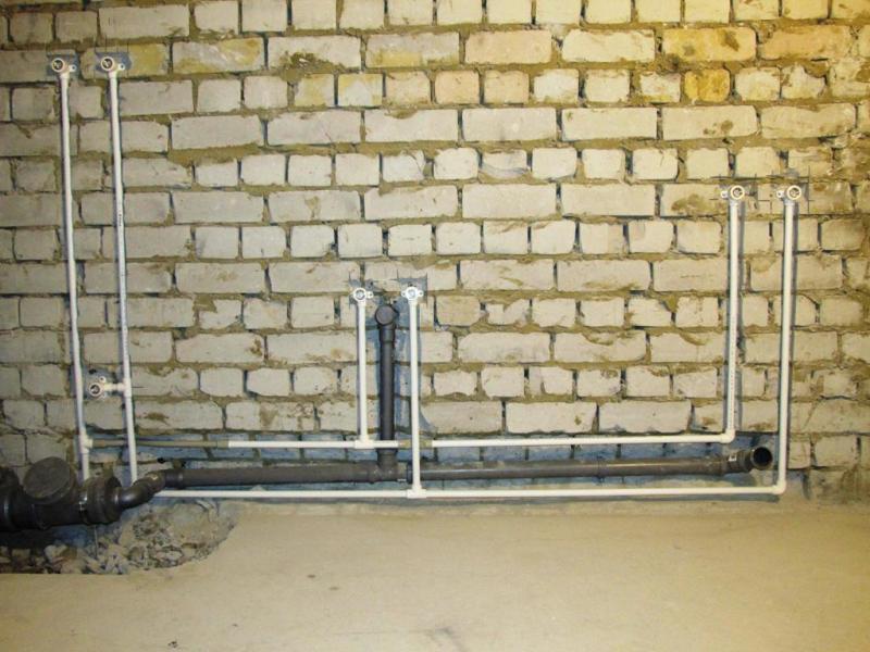 Разводка водоснабжения выполнена полипропиленом.