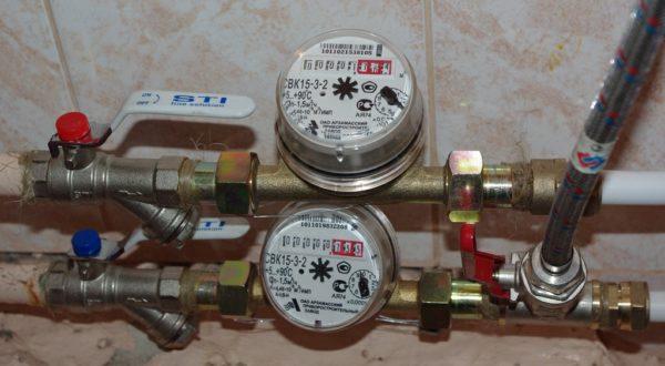 Сложив изменения показаний водосчетчиков ГВС и ХВС за сутки, вы получите расход сточных вод.