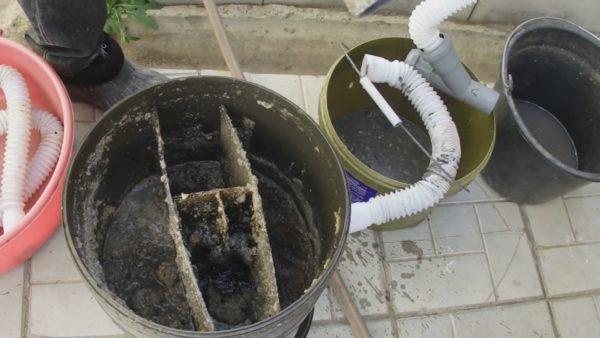Содержимое накопительной емкости за 3 месяца эксплуатации на кухне загородного дома
