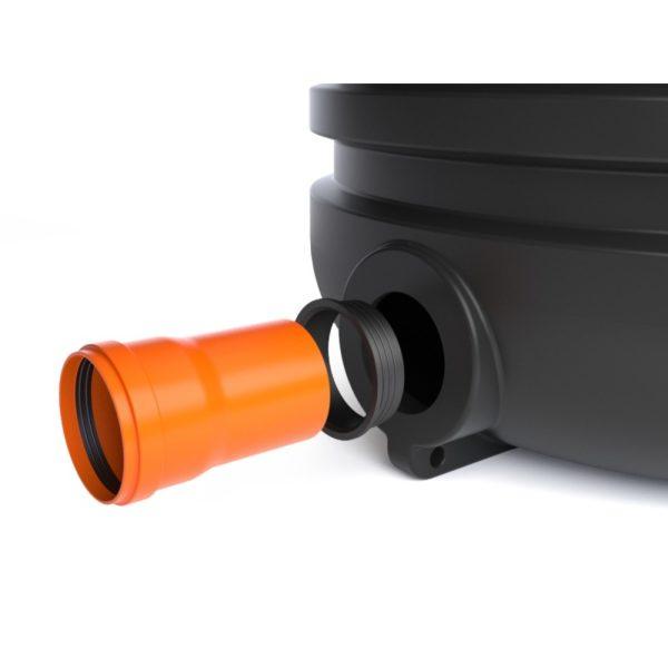 Соединение лотка с трубой через герметизирующую манжету