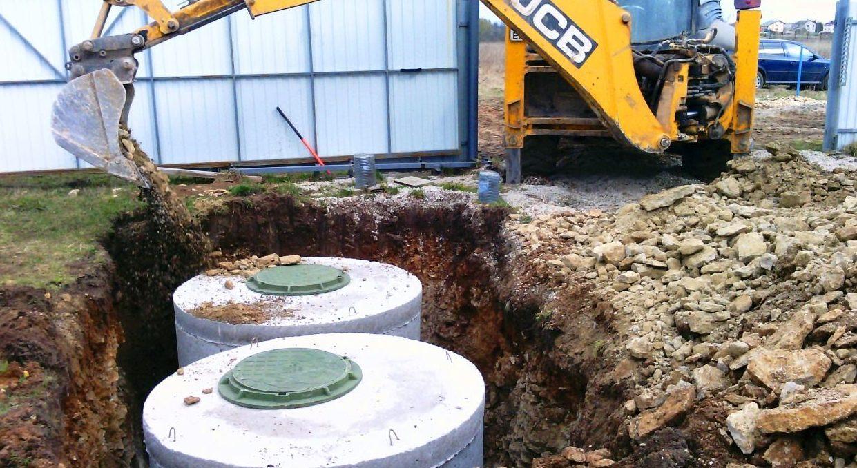 Строительство бетонного септика.