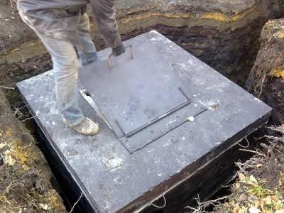 Как сделать крышку для выгребной ямы